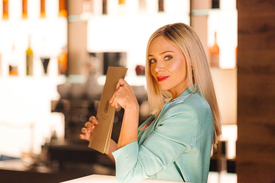 Katarina Čas 17. junija v humoristični seriji Ja, Chef! prihaja na VOYO.