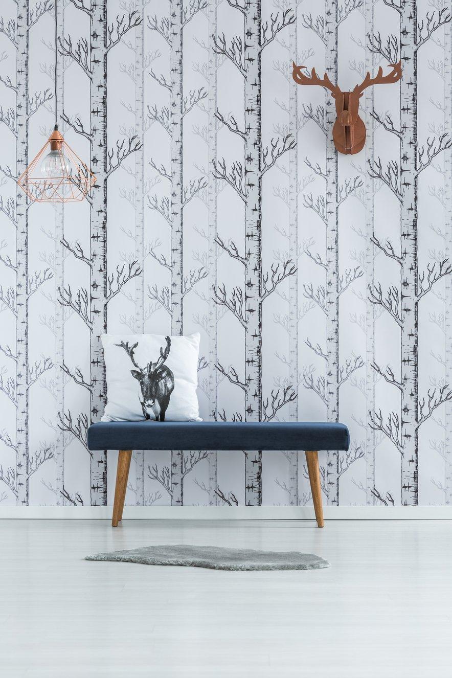 Nekoliko bolj nevtralna izbira so tapete z elegantno izrisanim vzorcem v eni barvi.
