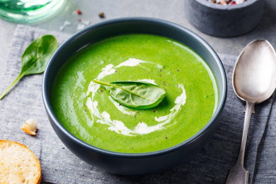 Špinačna kremna juha vas bo napolnila z energijo.