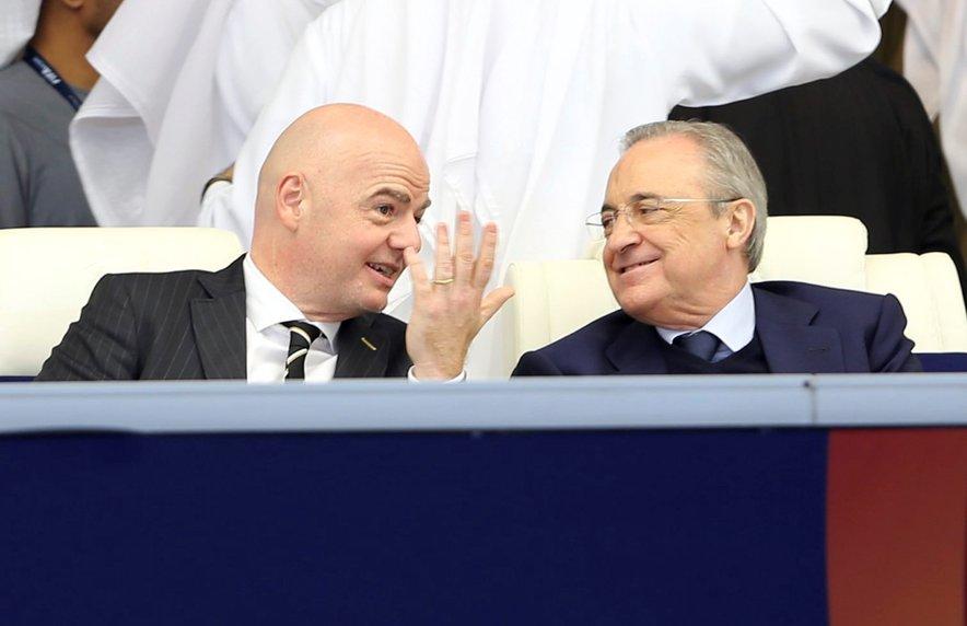 Predsednik Fife Gianni Infantino (na fotografiji levo) in predsednik tako imenovane evropske Superlige ter madridskega Reala Florentino Perez.