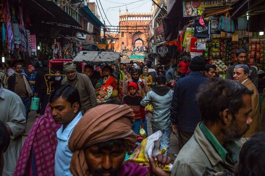 Glede na to, da v Indiji živi šestina vsega prebivalstva sveta, je kaos na mestnih ulicah nekaj povsem običajnega.