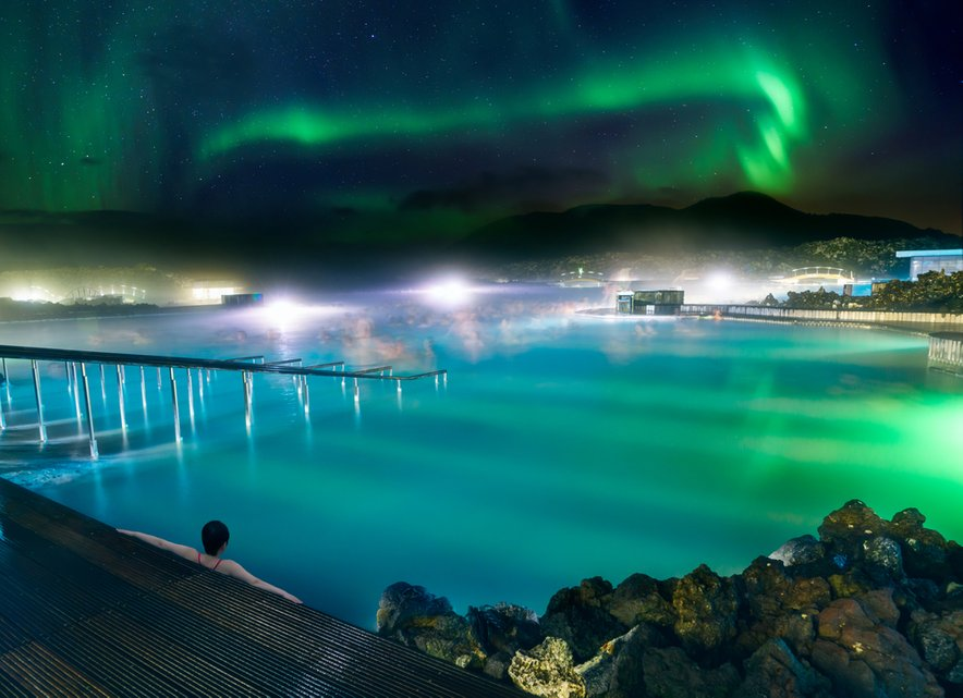 Nočna romantika v modri laguni.