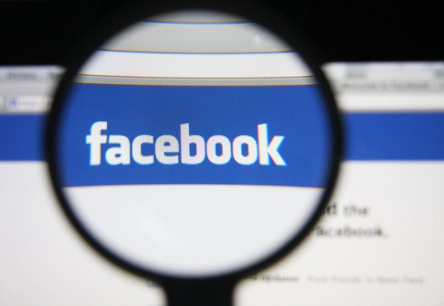 Pozivi Facebooku, naj na svojih platformah zatre vsebine, ki pozivajo ljudi, naj se ne cepijo, so bili vse glasnejši.