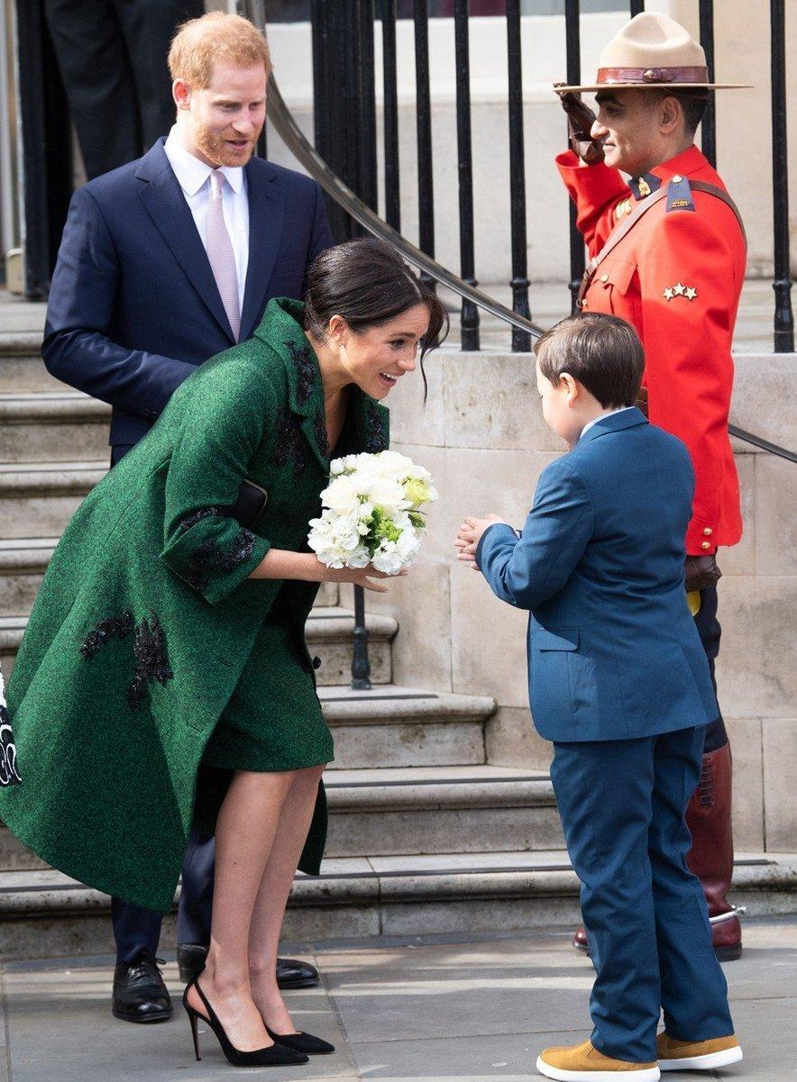 Številni so prepričani, da bo otrok na svet privekal že v marcu, čeprav naj bi imela vojvodinja uradni rok aprila.