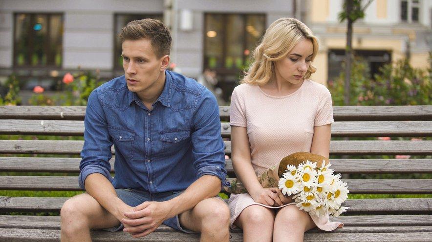 Takšne partnerice imajo velikokrat za seboj slabe izkušnje iz preteklih odnosov in/ali otroštva.