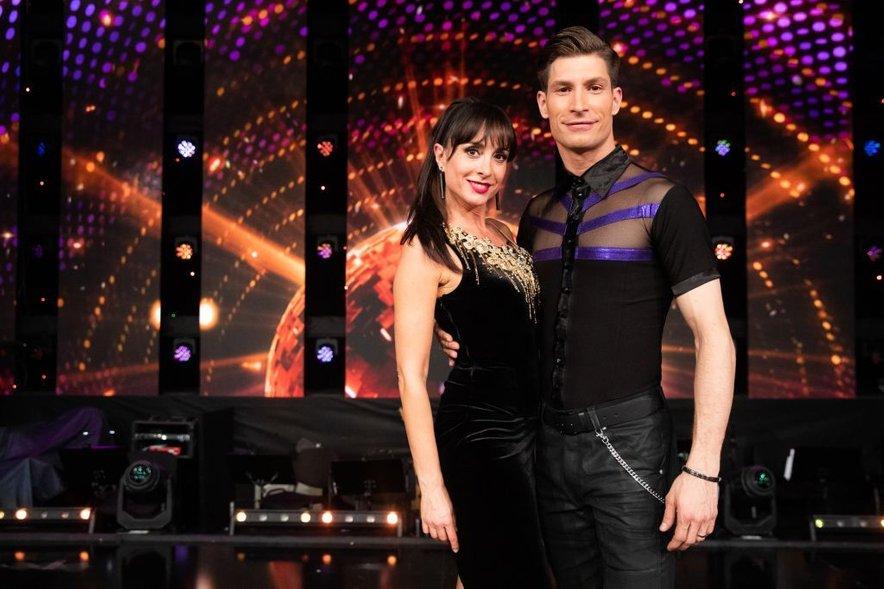 Tina Gorenjak in Miha Vodičar sta se uvrstila med najboljših šest parov letošnje sezone šova Zvezde plešejo.
