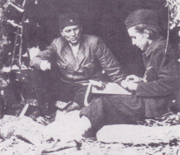 Davorjanka in Tito sta se spoznala v hotelu Esplenada v Zagrebu in se po okupaciji preselila v Beograd.