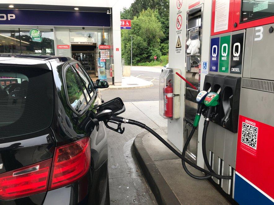 Se bo vlada umaknila iz regulacije cen naftnih derivatov?
