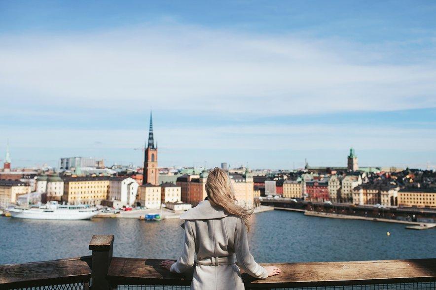Na Švedskem življenje poteka še vedno po dokaj ustaljenih tirnicah.