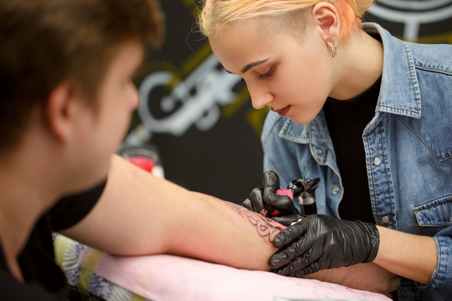O tetovažah krožijo številne neresnice.
