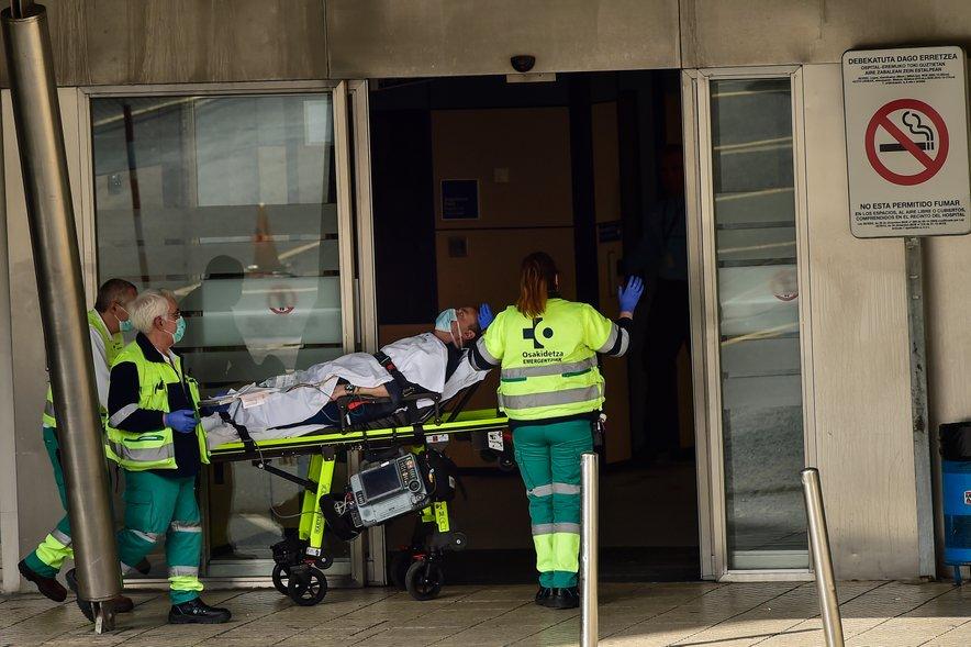 Španija je prehitela Kitajsko po številu smrtnih primerov covida-19.