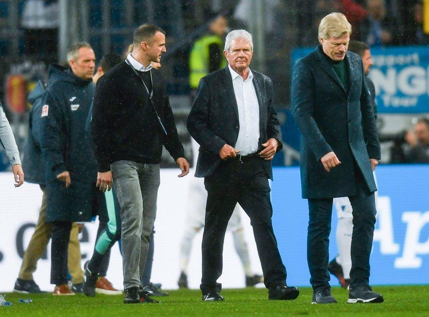 Hopp (drugi z desne) ob legendi in zdaj direktorju Bayerna Oliverju Kahnu
