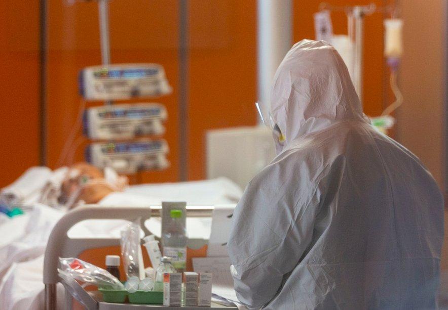 Število novih okužb pada že četrti dan zapored, kar Italijanov daje nekaj upanja.