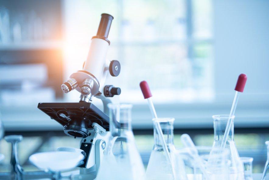 Trenutno naj bi bila po vsem svetu v postopku testiranja že več kot 100 potencialnih cepiv proti novemu koronavirusu.