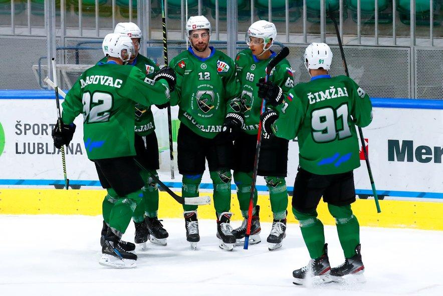 Hokejski zmaji so v končnici Alpske lige prvi favoriti za naslov prvaka.