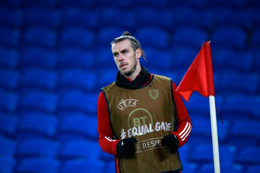 Bale (na fotografiji) med ogrevanjem na tekmi z Mehiko.
