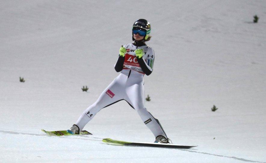 Križnarjeva (na fotografiji) med nastopom na nedavnem svetovnem prvenstvu v Oberstdorfu.
