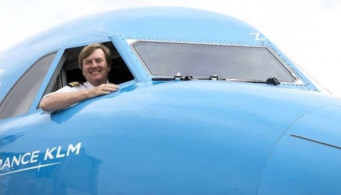 Ali je pilot v letalu?