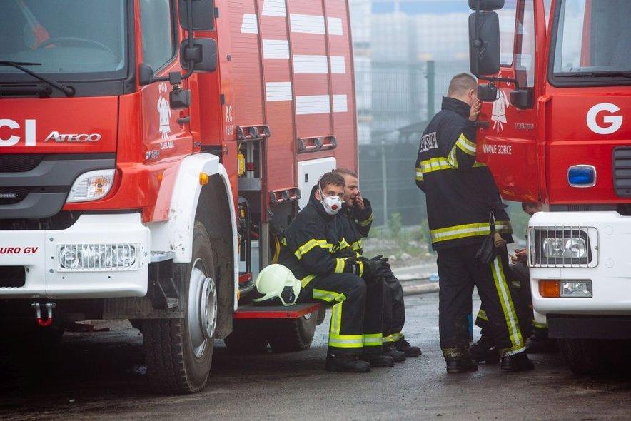 Požar v Kemisu je pokazal, da bi morali gasilce, še posebej prostovoljne, zdravstveno bolj spremljati.