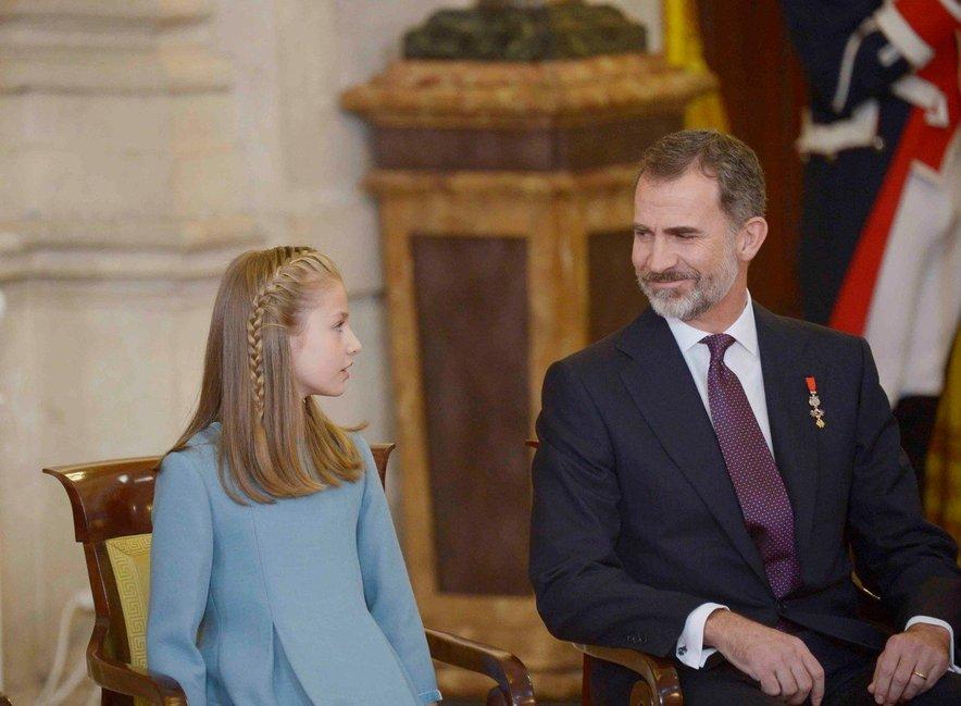 Kralj Felipe VI. s svojo prvorojenko, ki ga bo nekoč nasledila na prestolu.