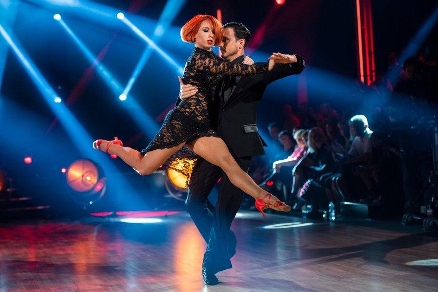 Zvezde plešejo, final (Natalija Gros, Miha Perat)