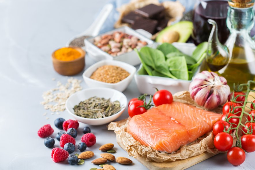 Če je dejavnik tveganja lahko povišan holesterol, je preventiva zdrava prehrana.