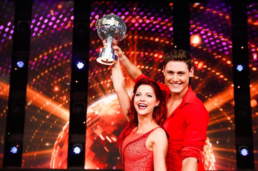 Tanja in Arnej sta osvojila plesni globus.