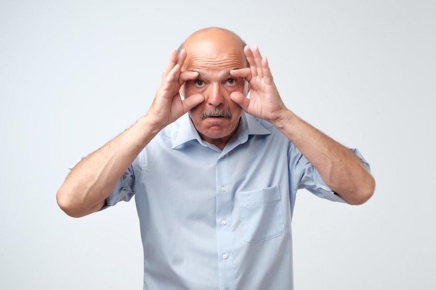Na motnje dihanja v spanju pomislite, če imate nenehno težave z zaspanostjo.
