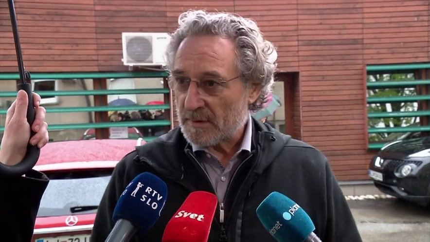 "Branimir Štrukelj: ""Gre za poskus discipliniranja sindikalne zapnice."""