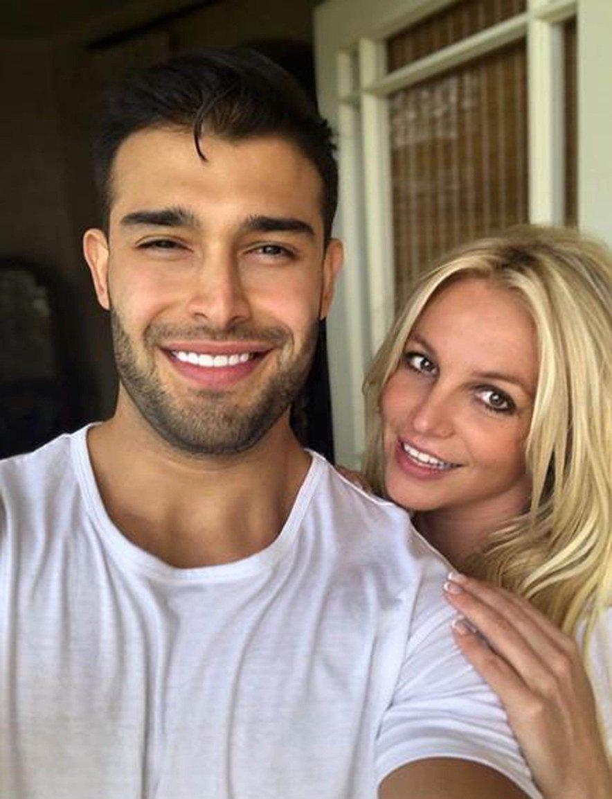 Se bosta Britney in Sam kmalu sprehodila do oltarja?