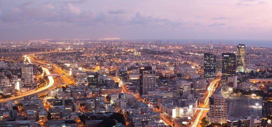 Izraelski pregovor pravi, da se v Haidi dela, v Jeruzalemu moli, v Tel Avivu pa žura.