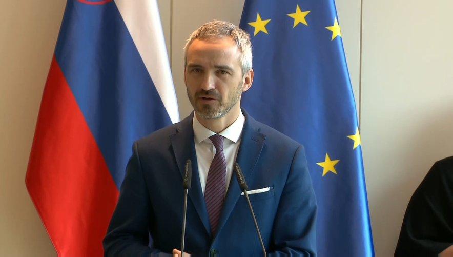 Minister za delo Janez Cigler Kralj po seji ESS