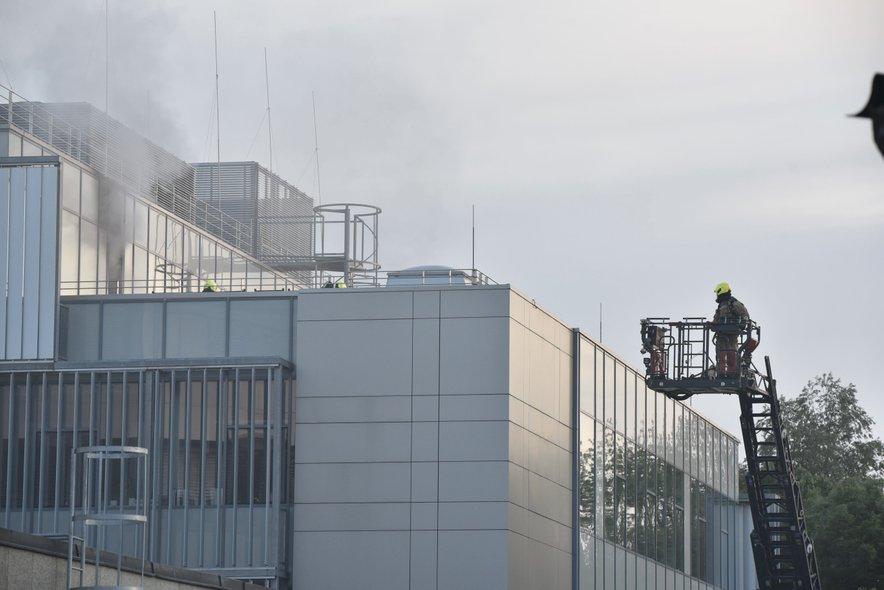 Zagorelo je v tretjem nadstropju.