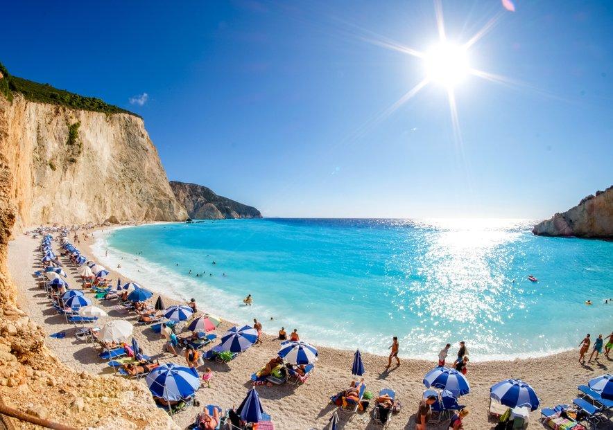 Grčija uvaja spletni vprašalnik, ki ga morajo turisti izpolniti pred vstopom v državo.