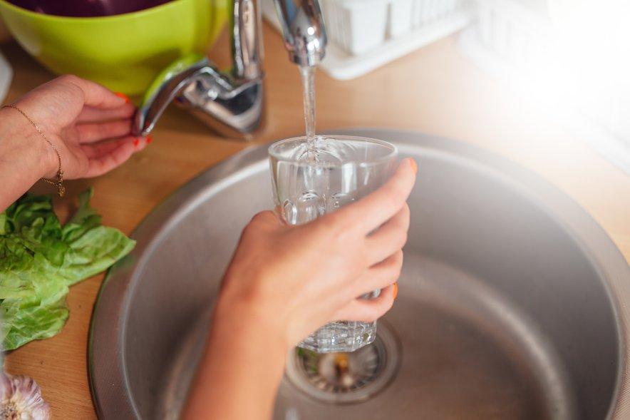 Zaradi onesnaženja voda v občini Kanal ob Soči do preklica ni pitna.