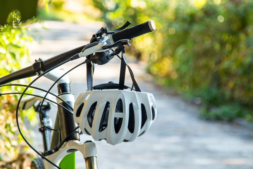 Odgovoren kolesar se na vožnjo nikoli ne odpravi brez čelade.