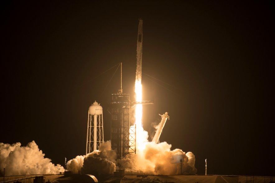 Izstrelitev rakete SpaceX.