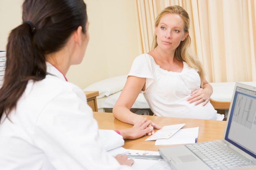 Nosečnica pri zdravniku