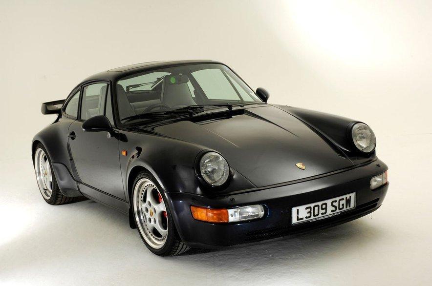 30. novembra se bo v Los Angelesu pričela znana vsakoletna avtomobilska razstava, kjer bodo uradno predstavili osmo generacijo vsem dobro poznanega Porschejevega modela 911.