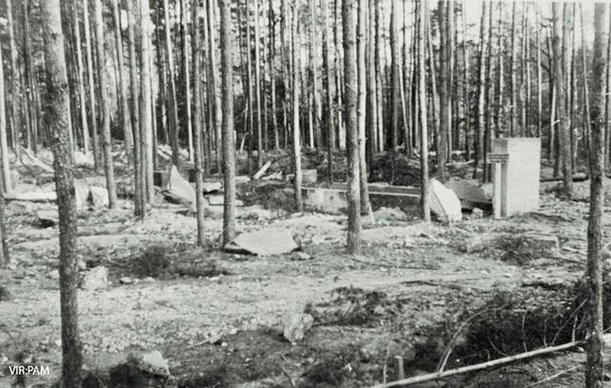 Eden glavnih ciljev zavezniških letal med bombardiranji Maribora v letih 1944 in 1945 je bila Tovarna letalskih motorjev na Teznu.