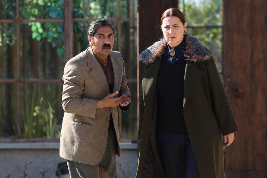 Vahide kot Hünkar Yaman, medtem ko je Bülent stopil v čevlje Gaffurja.