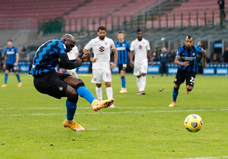 Romelu Lukaku je bil zelo učinkovit in z dvema zadetkoma prispeval velik delež k zmagi milanskega Interja nad Torinom.