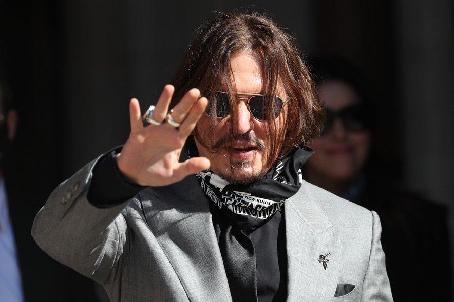 Johnny Depp je izgubil tožbo.