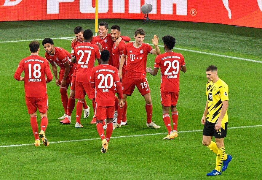 Bayernu je sprva kazalo odlično, saj je povedel z 2:0.