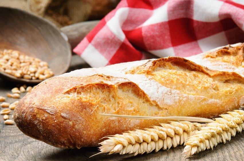 Čeprav se kruh na naših mizah znajde skorajda vsak dan, pa vse več ljudi išče načine, kako in s čim ga zamenjati.