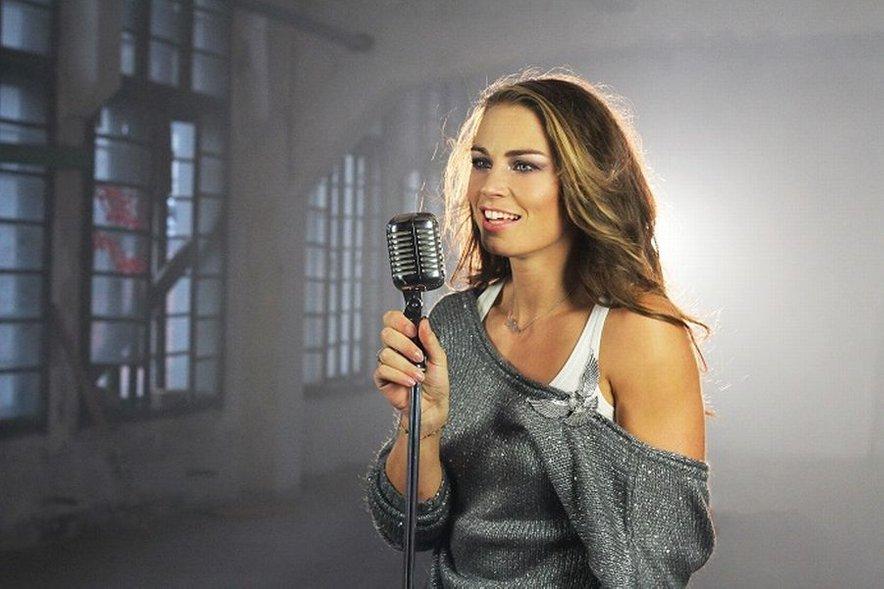 VIDEO: Tina Maze predstavlja videospot za svojo prvo pesem - 24ur.com