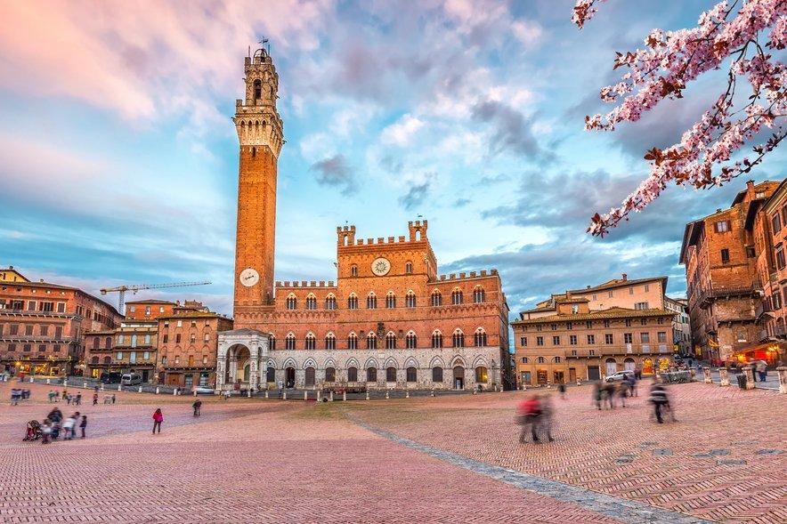 Osrednji trg v Sieni