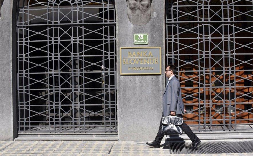 V primeru blažjega scenarija se lahko delež nedonosnih izpostavljenosti bank v portfelju podjetij do konca leta poveča na osem odstotkov, do konca leta 2021 pa na 12 odstotkov. V primeru ostrejšega scenarija pa bi se letos povečal za devet odstotkov, prihodnje leto pa na 16 odstotkov.