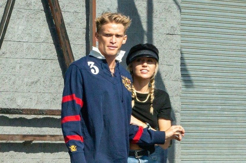 Miley Cyrus in Cody Simpson