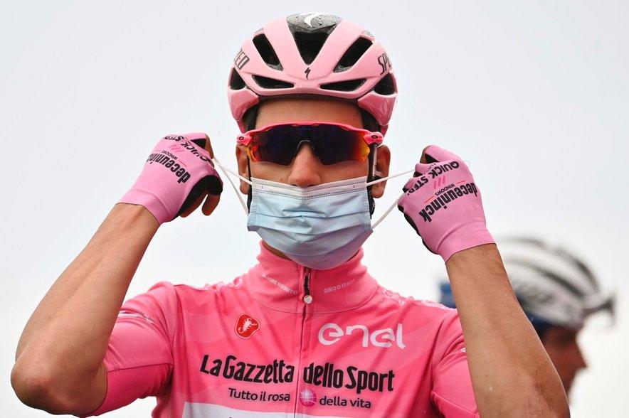 Portugalec Joao Almeida že lep čas brani skupno vodstvo in čislano rožnato majico.